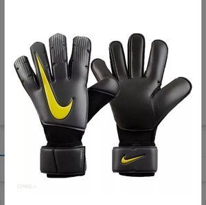 Nike GK Vapor Grip 3 Adult soccer Gloves 8
